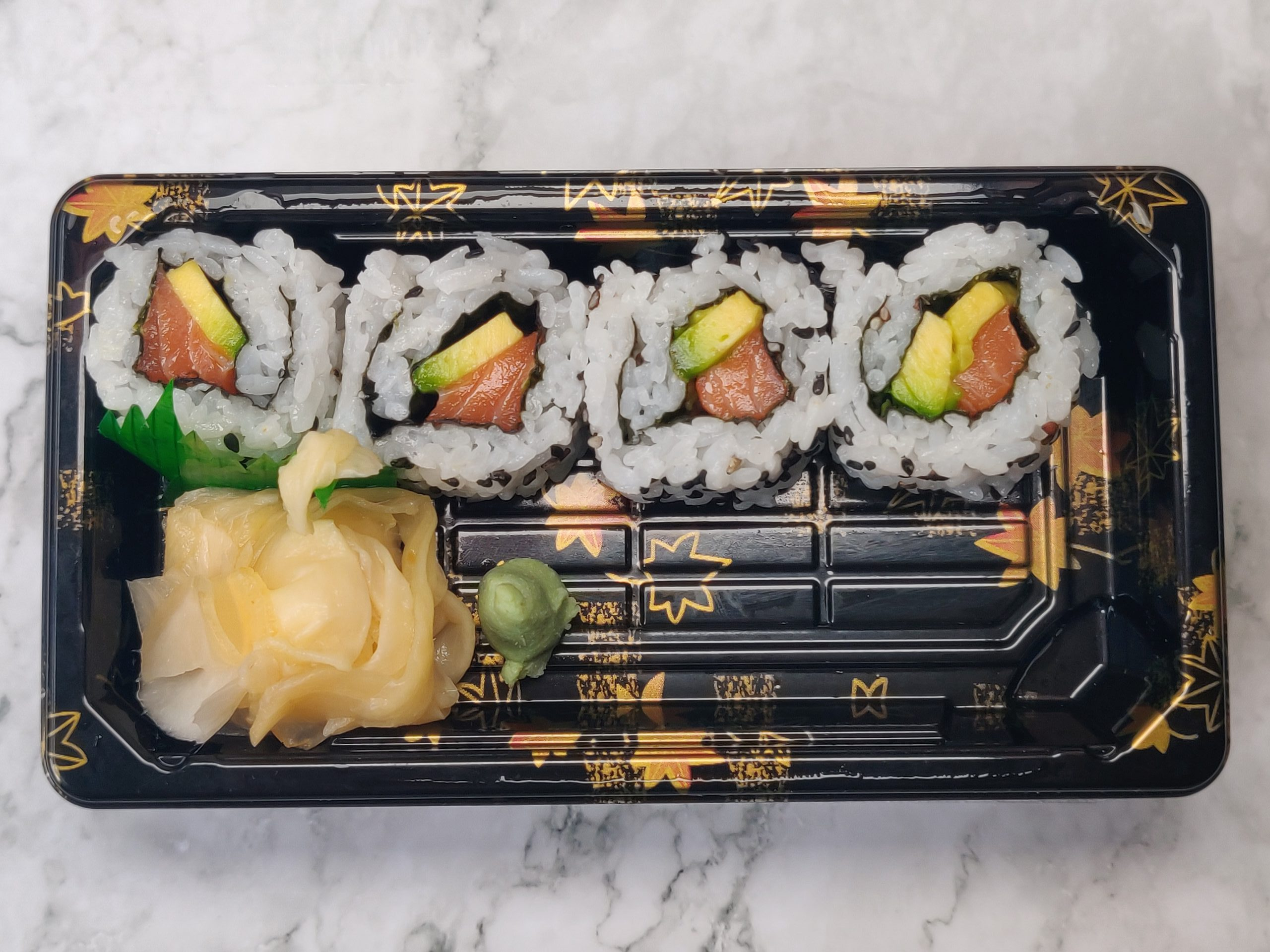 Half Uramaki ( Salmon & Avocado )